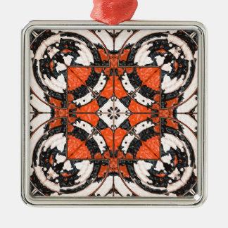 Geometrische Oranje en Zwarte Samenvatting Zilverkleurig Vierkant Ornament
