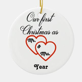 Gepersonaliseerde 1st Kerstmis als M. & Mevr. Rond Keramisch Ornament