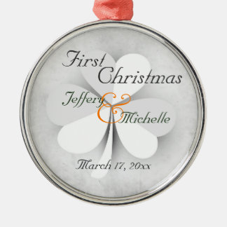 Gepersonaliseerde Gelukkige Ierse Eerste Kerstmis Zilverkleurig Rond Ornament