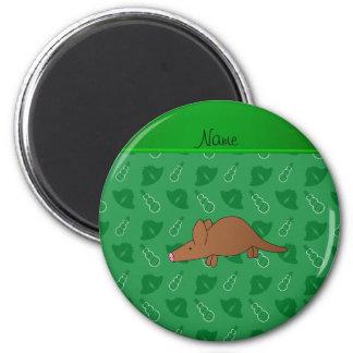 Gepersonaliseerde groene de klokkensneeuwmannen ronde magneet 5,7 cm
