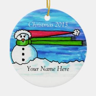 Gepersonaliseerde Stormachtige Kerstmis Sneeuwpop  Rond Keramisch Ornament