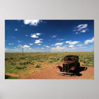 Geroeste Auto in het Schilderen van de Woestijn Poster