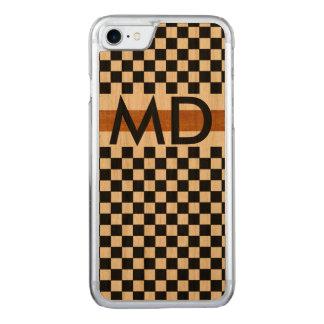 geruite zwarte met initialen carved iPhone 7 hoesje