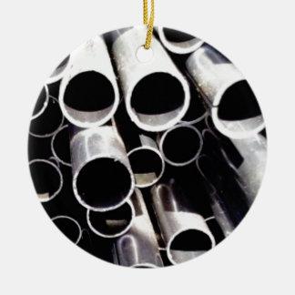 gestapelde cirkels van staal rond keramisch ornament