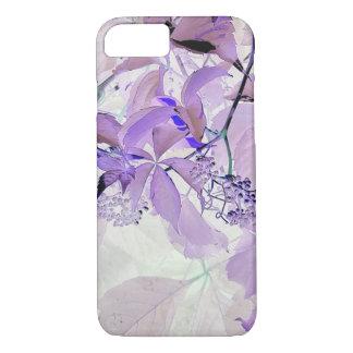 Gevoelige paarse wijnstokbladeren en bessen iPhone 8/7 hoesje