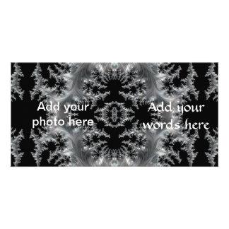 Gevoelige Zilveren Filigraan op Zwarte Fractal Kaart