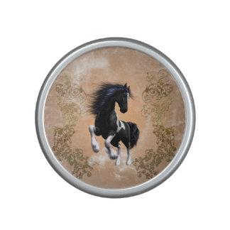 Geweldige wild paard met bloemenelementen bluetooth speaker