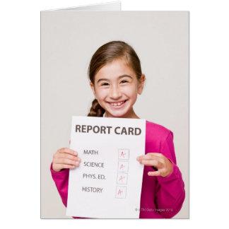 Glimlachende studente trots van schoolrapport briefkaarten 0