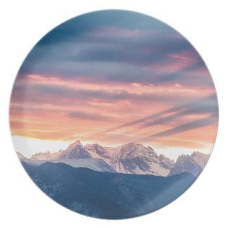Golven van de Zonsondergang van de Berg van Diner Borden