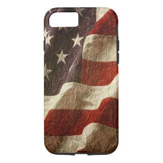 Golvende Patriottische Amerikaanse die Vlag in iPhone 7 Hoesje
