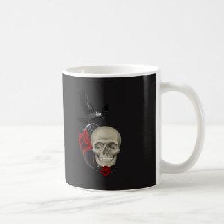 Gotische Schedel met Roze en Raaf Koffiemok