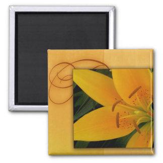 Gouden gele tijgerlelie voor herfst magneet