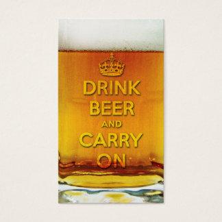 Grappig drink bier en draag visitekaartjes