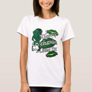 Grappig Gekust St Patrick van de Ier Wit T Shirt