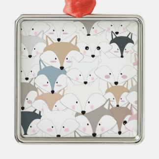 Grappig van de cartoon leuk vos of wolf patroon zilverkleurig vierkant ornament