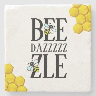Grappige Bedazzle (D) door de Honingraat van Bijen Stenen Onderzetter