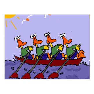 Grappige Eenden in een Cartoon van de Rij Briefkaart