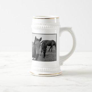 Grappige het biermok van paarden bierpul