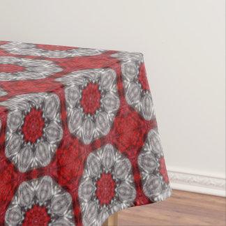 Grijze Bloem met Rood op Geweven Rood Tafelkleed