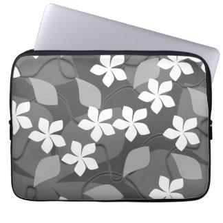 Grijze en Witte Bloemen. Bloemen Patroon Laptop Sleeve