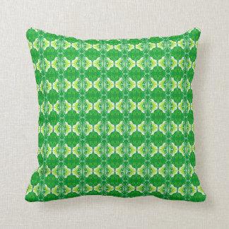 Groen en wit het behangpatroon van het art deco - sierkussen