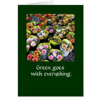 Groen gaat met alles.  LG VAN DE KAART DKGR VAN DE