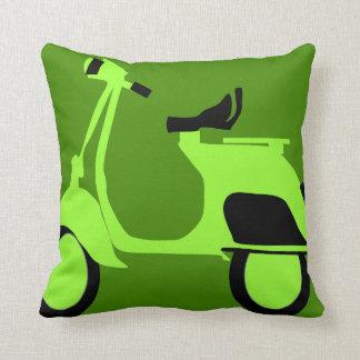 Groene autoped sierkussen