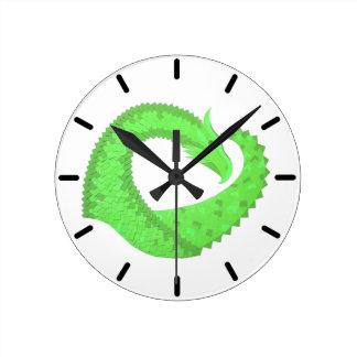 Groene het hartdraak van het limoen op wit ronde klok