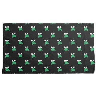 Groene Kikkers op de Zwarte Hoesjes van het Kussensloop