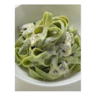 Groene lintdeegwaren met de saus van Gorgonzola Briefkaart