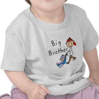 Grote Broer met de T-shirts en de Giften van Weini
