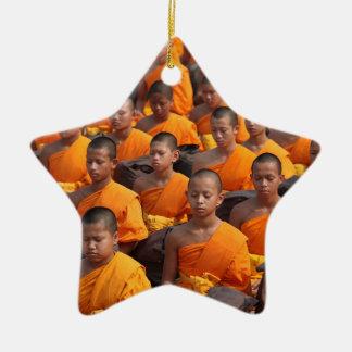 Grote Groep het Mediteren van Monniken Keramisch Ster Ornament