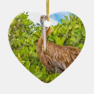 Grote Pelikaan bij Boom, de Galapagos, Ecuador Keramisch Hart Ornament
