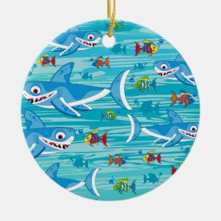 Haai en het Tropische Patroon van Vissen Rond Keramisch Ornament