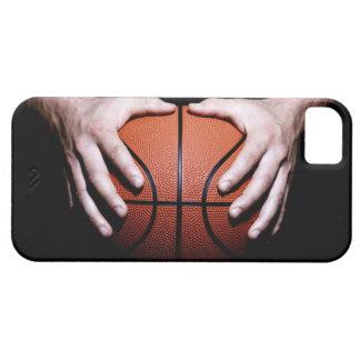 Handen die een basketbal houden barely there iPhone 5 hoesje