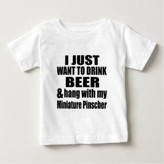 Hang met Mijn MiniatuurPinscher Baby T Shirts