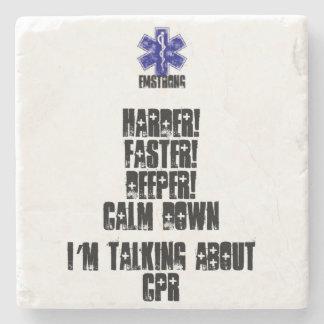 Harder! Sneller! Dieper! Rust die neer over CPR Stenen Onderzetter