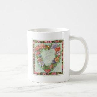 hart kroon in geïllustreerde bloemengrens, douane basic witte mok