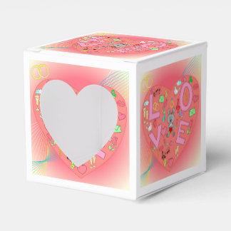 Hart op abstracte achtergrond bedank doosjes huwelijk