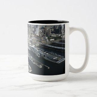 Haven in de Stad van New York Tweekleurige Koffiemok