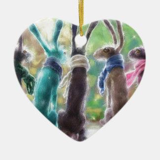 Hazen met sjaals keramisch hart ornament