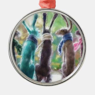 Hazen met sjaals zilverkleurig rond ornament