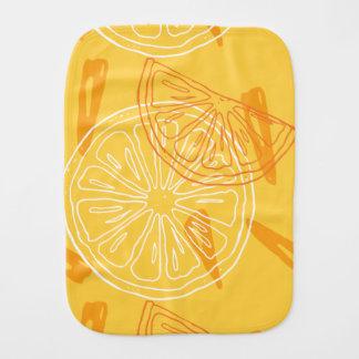 Helder geel citroenen getrokken de zomerpatroon spuugdoekjes