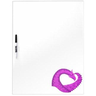 Heldere paarse hartdraak op wit whiteboard