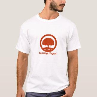 Het achtervolgen van het T-shirt van Augustus