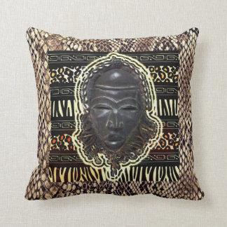 Het Afrikaanse Goede Masker van het Geluk Sierkussen
