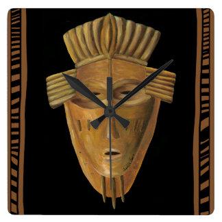 Het Afrikaanse Schilderen van het Masker door Vierkante Klok