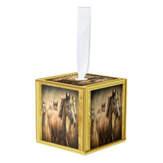 Het Amerikaanse Paard van het Kwart met een gouden Decoratie