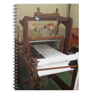 Het antiek vintage spinnermachine werken notitieboek