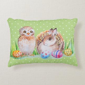 Het art. van Pasen van de uil en van het konijntje Decoratief Kussen